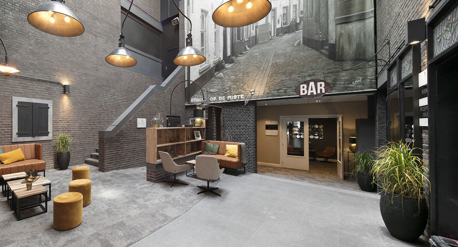 theaterhotel venlo holland. Black Bedroom Furniture Sets. Home Design Ideas