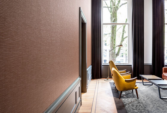 New wallcovering: tactile and architectonic