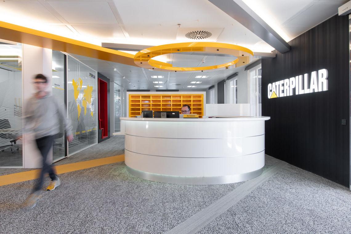 Oficinas caterpillar m laga spain - Diseno de interiores malaga ...