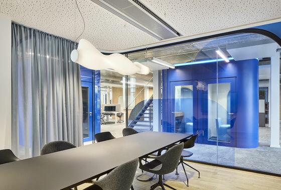 Raumakustik in neuem Bürogebäude der BYK Chemie optimiert