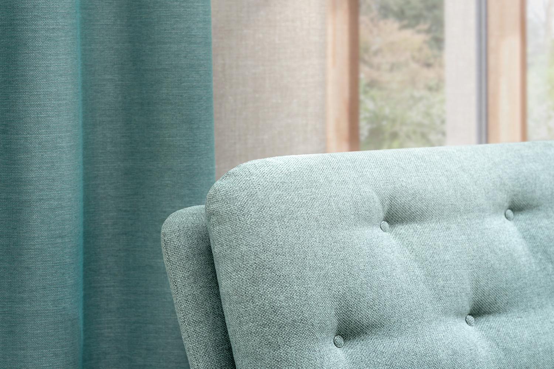 Meubelstof Noss toegepast op een sofa