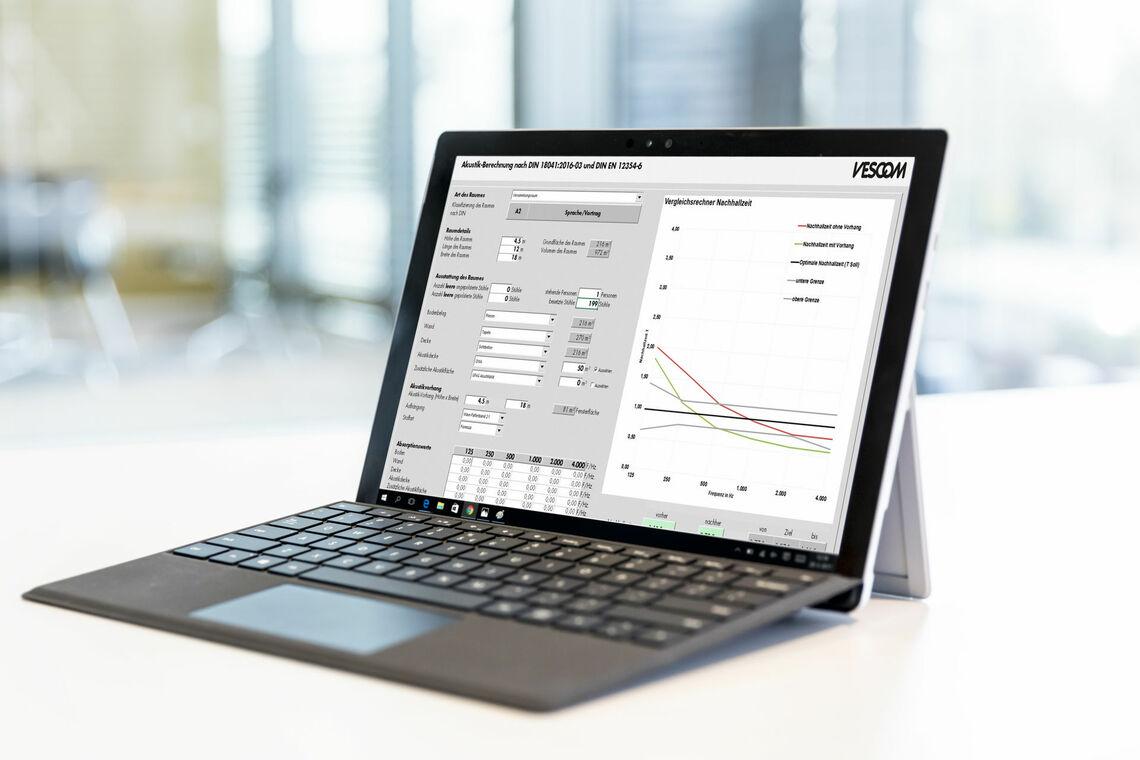 Laptop mit Akustikrechner