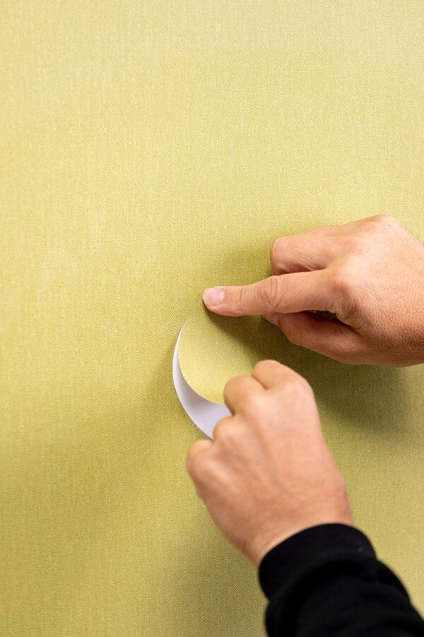 repairing vinyl wallcovering